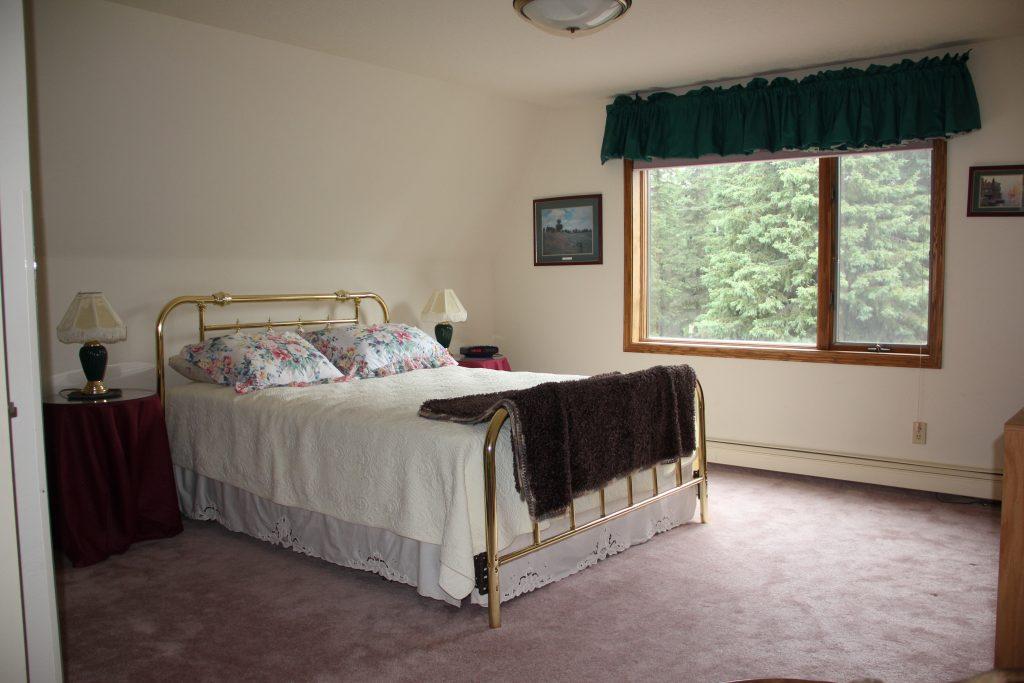 Upper Bedroom North